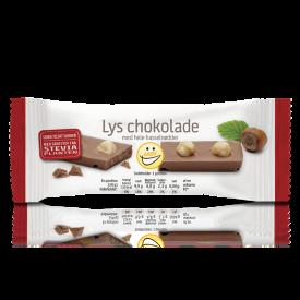 EASIS Lys chokolade med hele hasselnødder 25 stk.